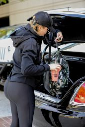 Khloe Kardashian - Leaving Equinox Gym in Los Angeles 12/4/ 2016