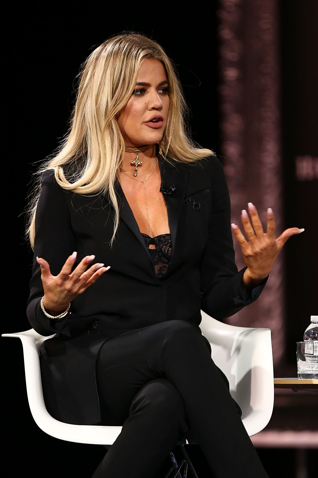 Khloe Kardashian Latest Photos - CelebMafia