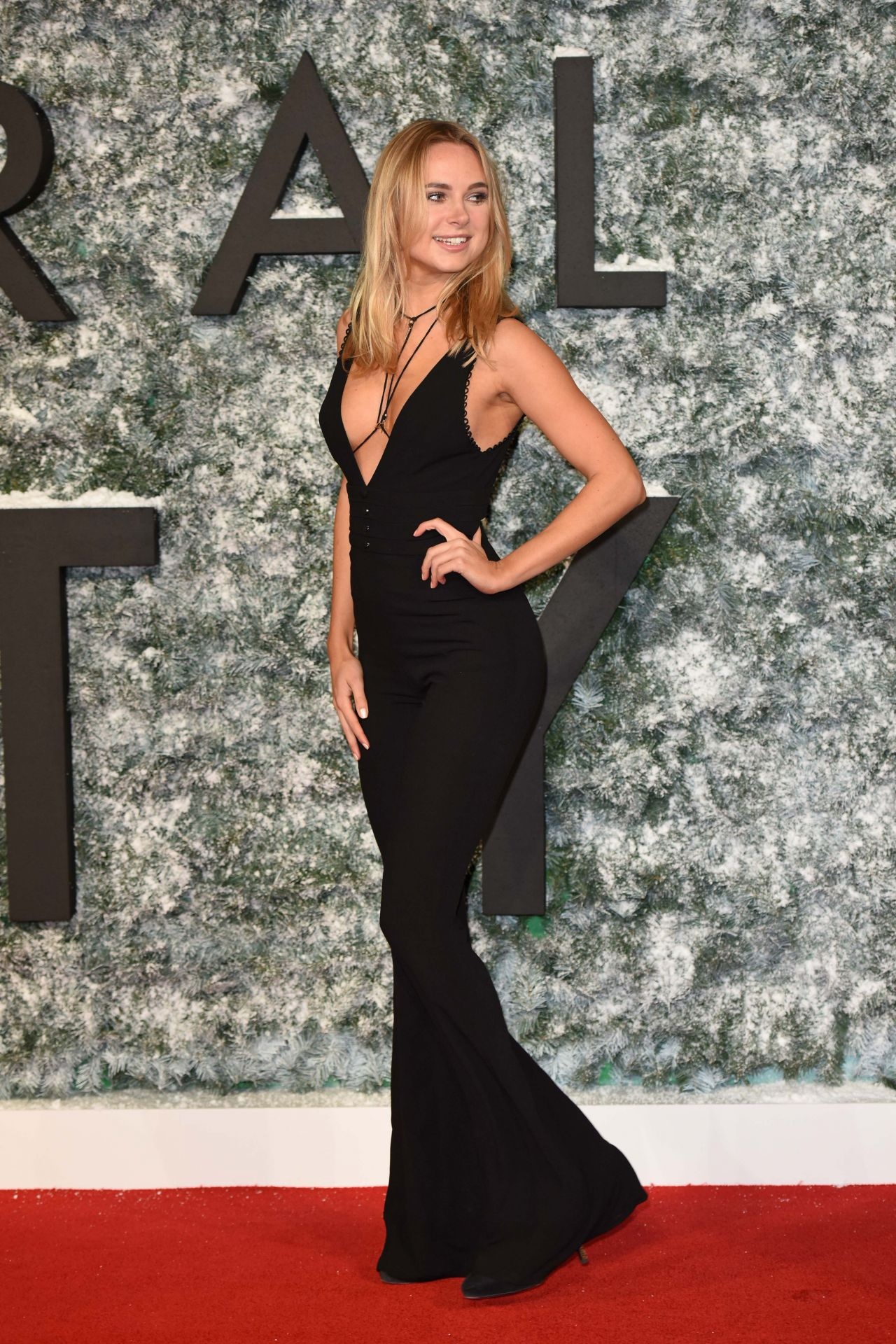 Kimberley Garner Collateral Beauty Pemiere In London 12 15 2016