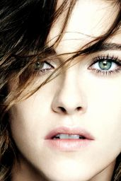 Kristen Stewart - Chanel Collection Eyes 2016 HQ Photos