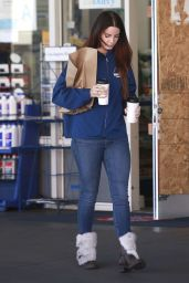 Lana Del Rey at a Gas Station in Beverly Hills 12/19/ 2016