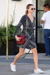 Margot Robbie - Out in Beverly Hills 12/07/2016