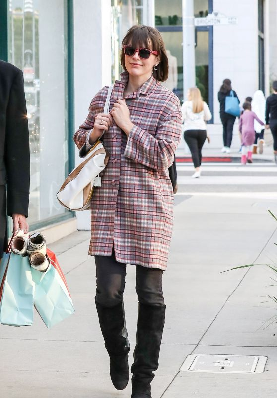 Milla Jovovich Shopping at Paper Source Ahead of Christmas in the 90210, Beverly Hills 12/22/ 2016