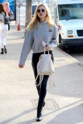 Nicola Peltz Casual Style - Shopping at Maxfield
