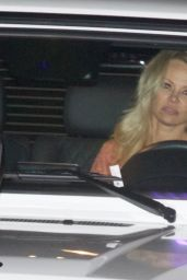 Pamela Anderson - Going For Dinner at a Restaurant in Los Angeles 12/28/ 2016