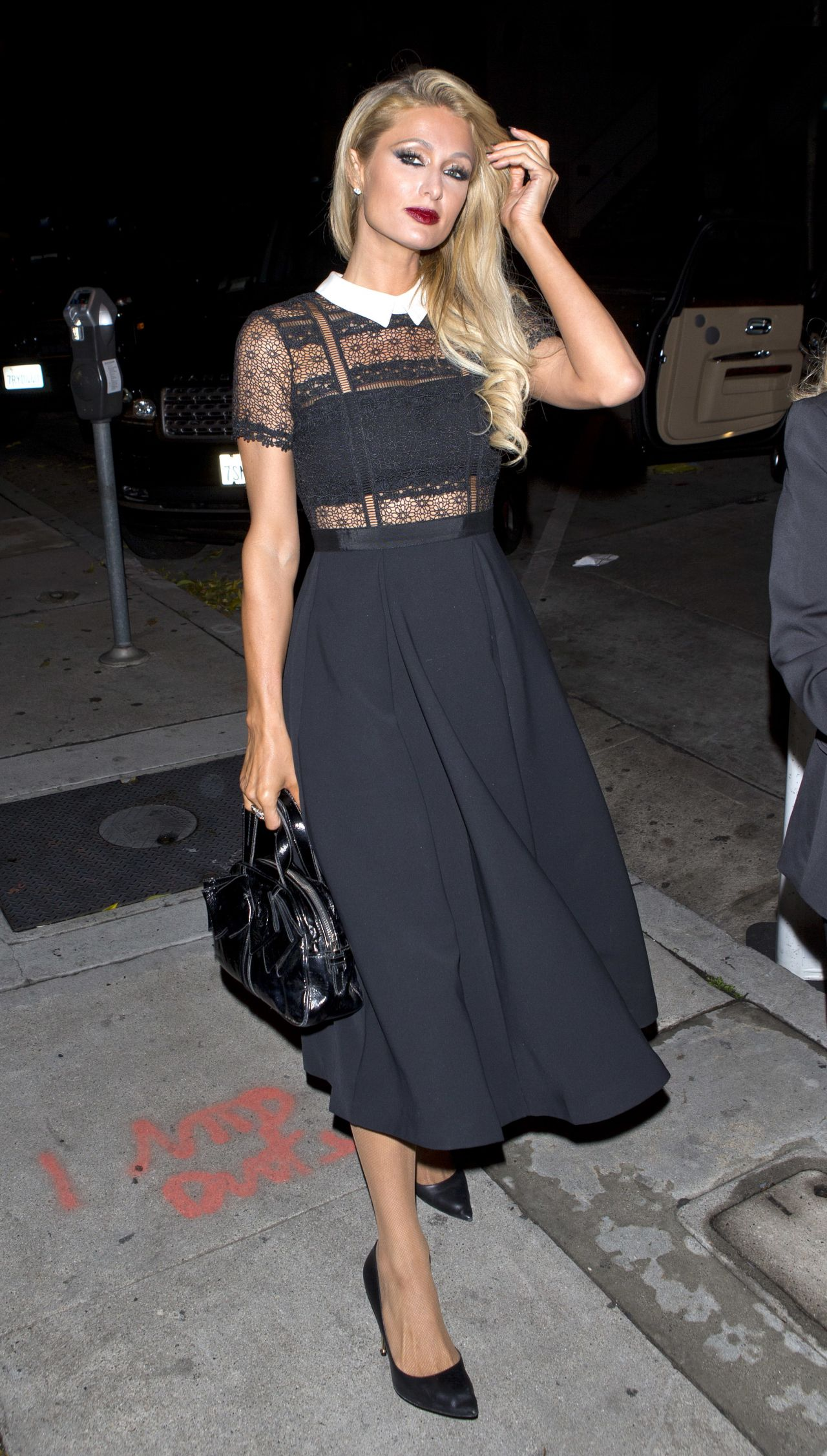 Paris Hilton out to diner in Hollywood