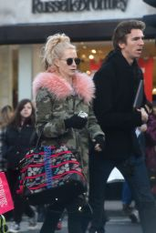 Poppy Delevingne Shopping in London 12/22/ 2016