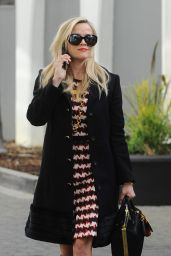 Reese Witherspoon Nails Autumn Fashion - Beverly Hills 12/6/ 2016