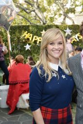 Reese Witherspoon - Tiny Prints Presents The Baby2Baby Snow Day at The Grove in Los Angeles, December 2016
