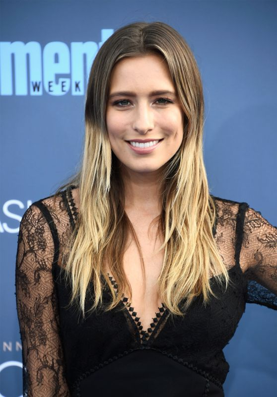 Renee Bargh – 2016 Critics' Choice Awards in Santa Monica 12/11/ 2016