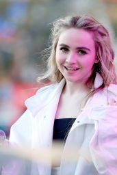 Sabrina Carpenter - 102.7 KIIS FM