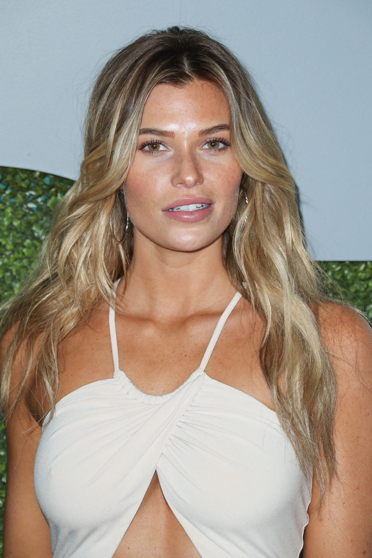 Samantha Hoopes - GQ Men of The Year Awards 2016 in West