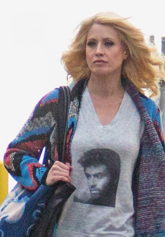 Sara Barrett Wearing a George Michael Shirt at the Seattle Waterfront 12/27/ 2016