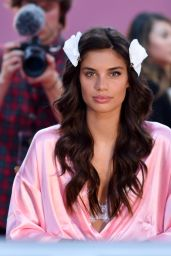 Sara Sampaio – Victoria's Secret Fashion Show 2016 Backstage