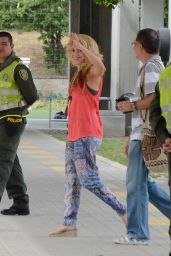 Shakira - Pies Descalzos College in Barranquilla Colombia 12/28/ 2016