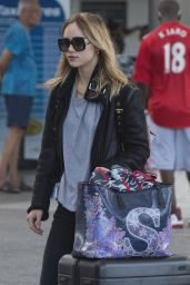 Suki Waterhouse - Arrives into Bridgetown Airport in Barbados 12/21/ 2016