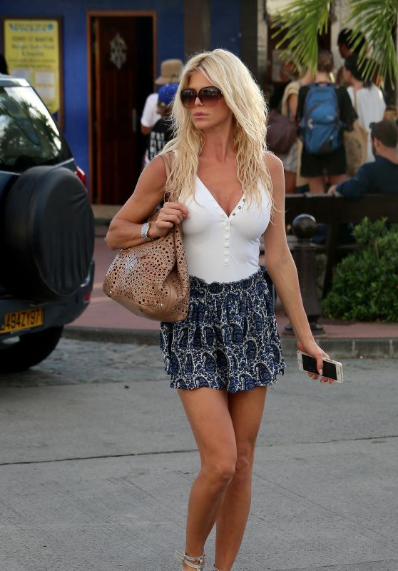Victoria Silvstedt in Mini Skirt - Saint Barthelemy 12/23/ 2016