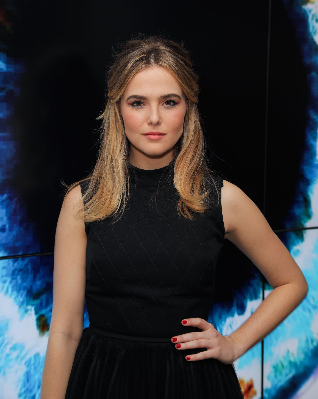zoey deutch - photo #3