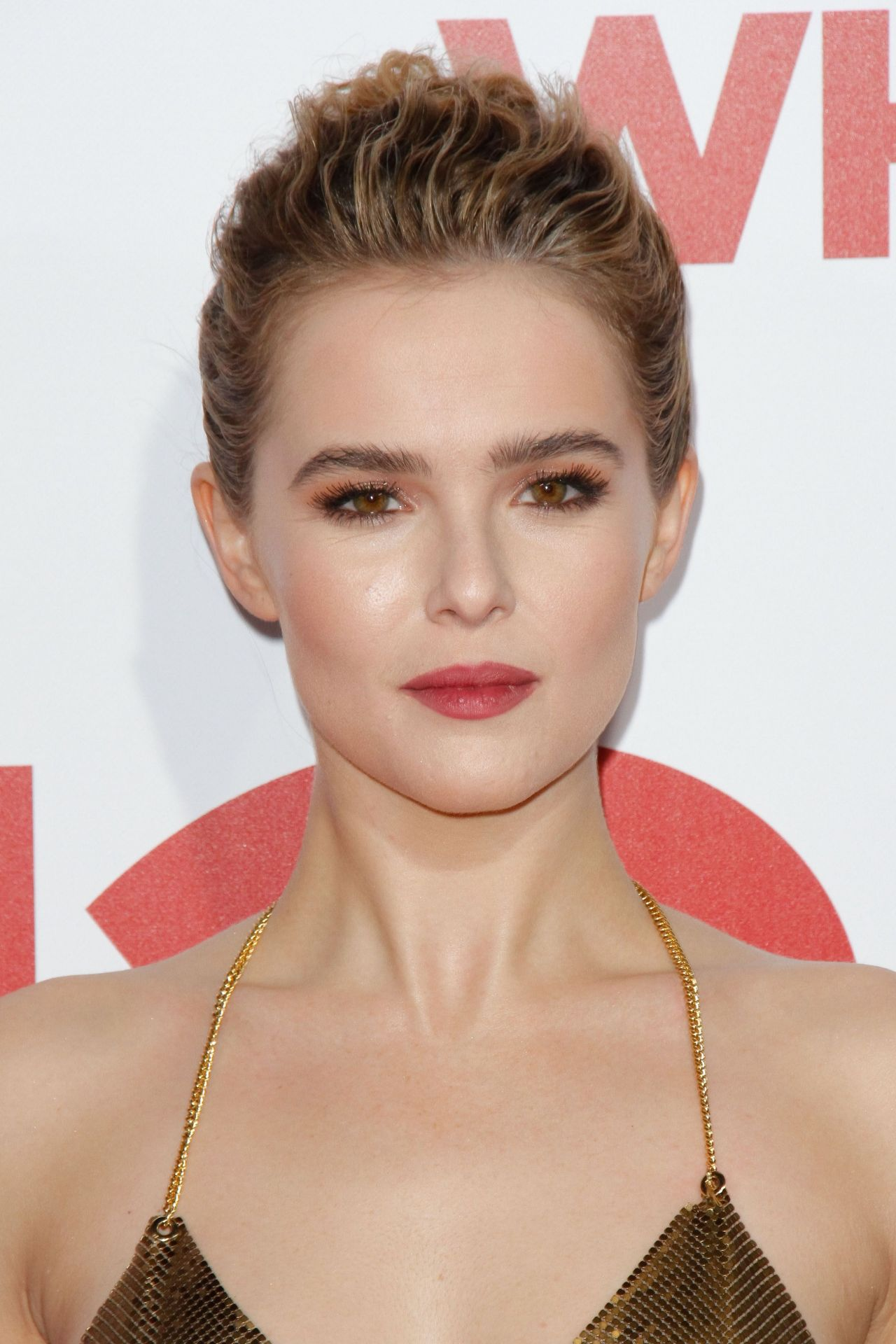 Zoey Deutch Why Him Premiere At The Regency Bruin