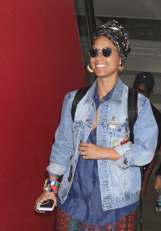Alicia Keys - Makes an Arrival Into Los Angeles 1/13/ 2017