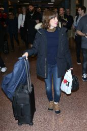 Alison Brie at Salt Lake International Airport in Salt Lake City 1/20/ 2017
