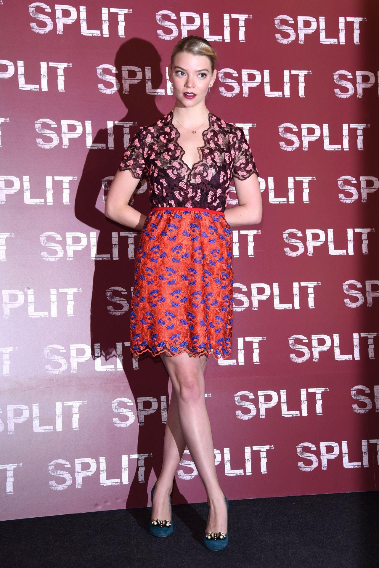 Anya Taylor Joy Split Photocall In Milan Italy 1 11 2017