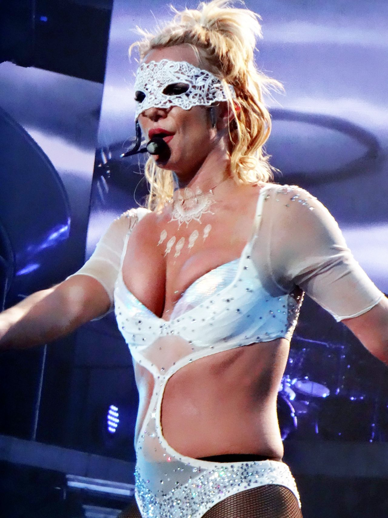 britney-spears-performing-at-her-piece-of-me-residency-in-las-vegas-1-11-2017-15.jpg