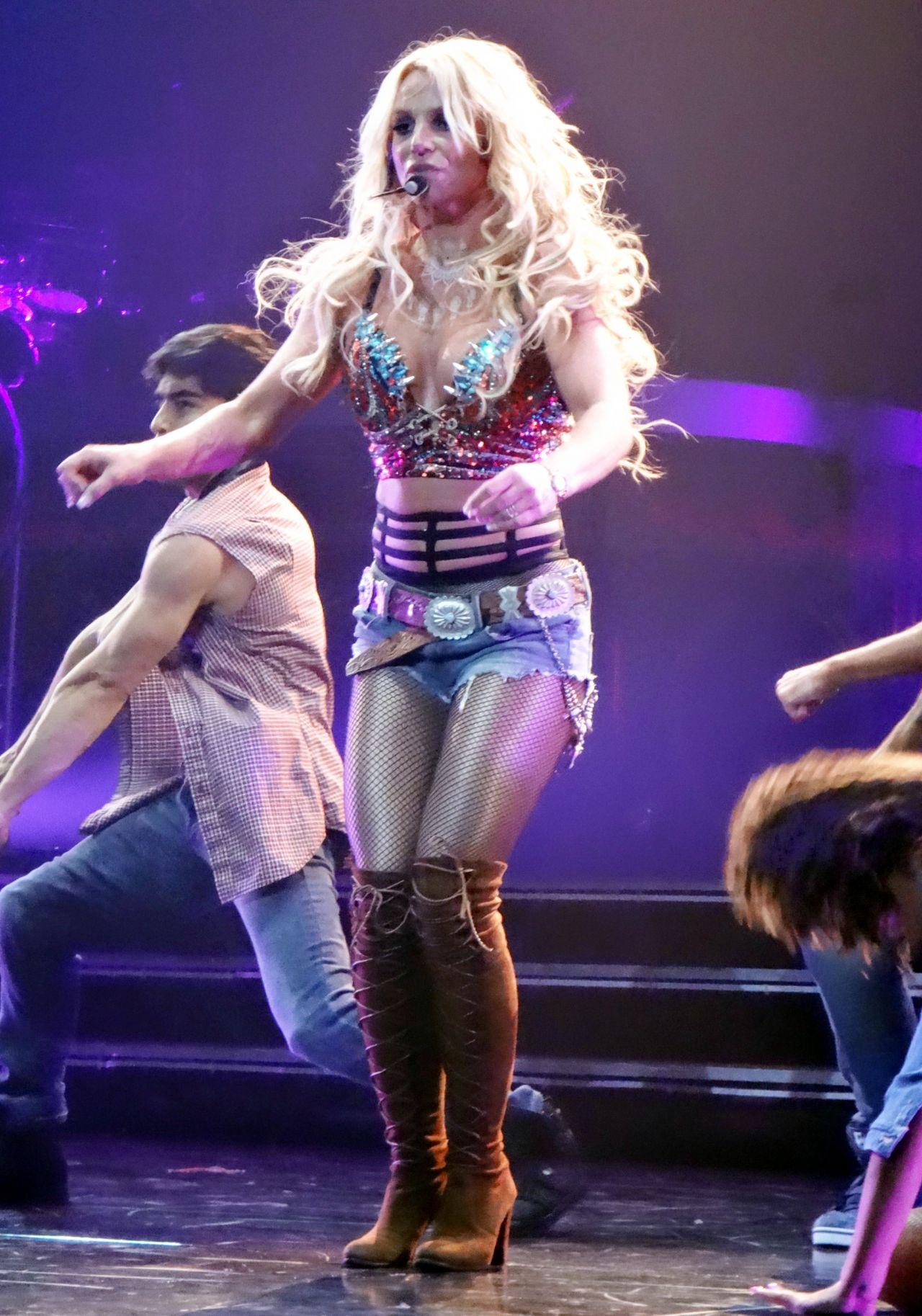 Britney Spears - Performing at Her 'Piece of Me' Residency in Las Vegas  1/11/ 2017 • CelebMafia