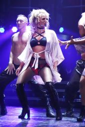 Britney Spears - Performing at Her