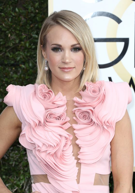 Carrie Underwood – Golden Globe Awards in Beverly Hills 01/08/ 2017