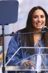 Demi Lovato - Speaks Onstage at the Women