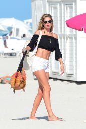 Doutzen Kroes Leggy in Shorts - Going to the Beach in Miami 1/2/ 2017