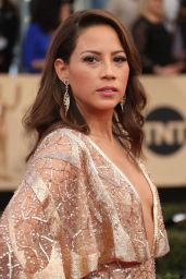 Elizabeth Rodriguez – SAG Awards in Los Angeles 1/29/ 2017