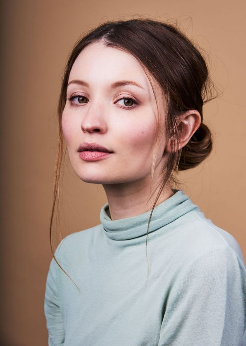 Emily Browning Nude Photos 32