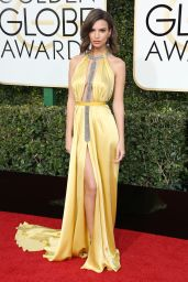 Emily Ratajkowski – Golden Globe Awards in Beverly Hills 01/08/ 2017