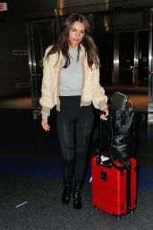 Emily Ratajkowski Travel Outfit - JFK Airport in New York 1/23/ 2017