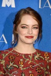Emma Stone - La La Land Premiere in Paris 1/10/ 2017