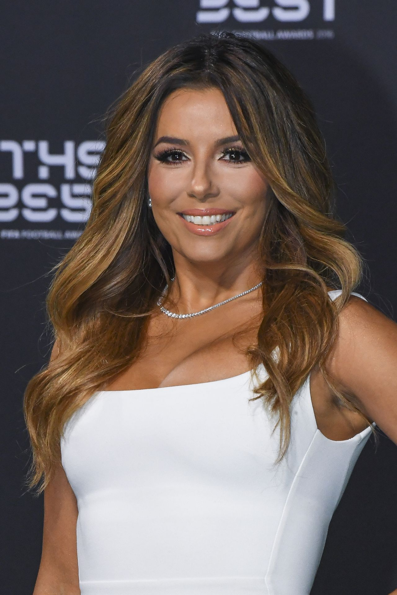 eva longoria fifa football awards 1 9 2017. Black Bedroom Furniture Sets. Home Design Ideas