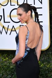 Gal Gadot – Golden Globe Awards in Beverly Hills 01/08/ 2017