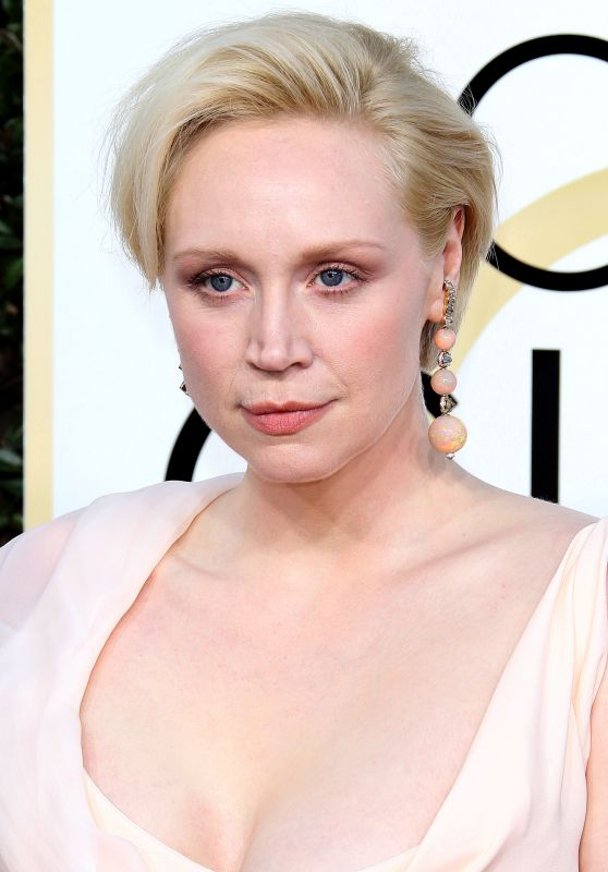 Gwendoline Christie – Golden Globe Awards in Beverly Hills 01/08/ 2017