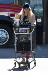 Hilary Duff - Stops by a Grocery Store For a Little Shopping in Studio City 1/17/ 2017