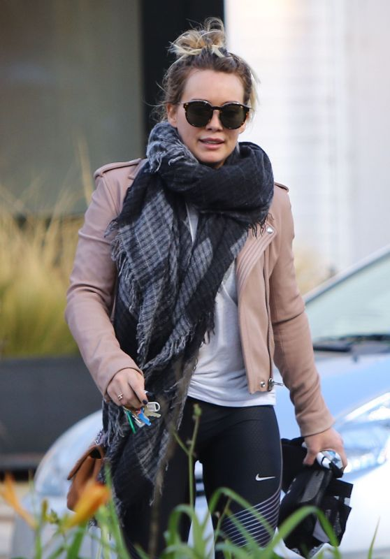 Hilary Duff - Stops by a Gym for a Workout in Studio City 1/24/ 2017