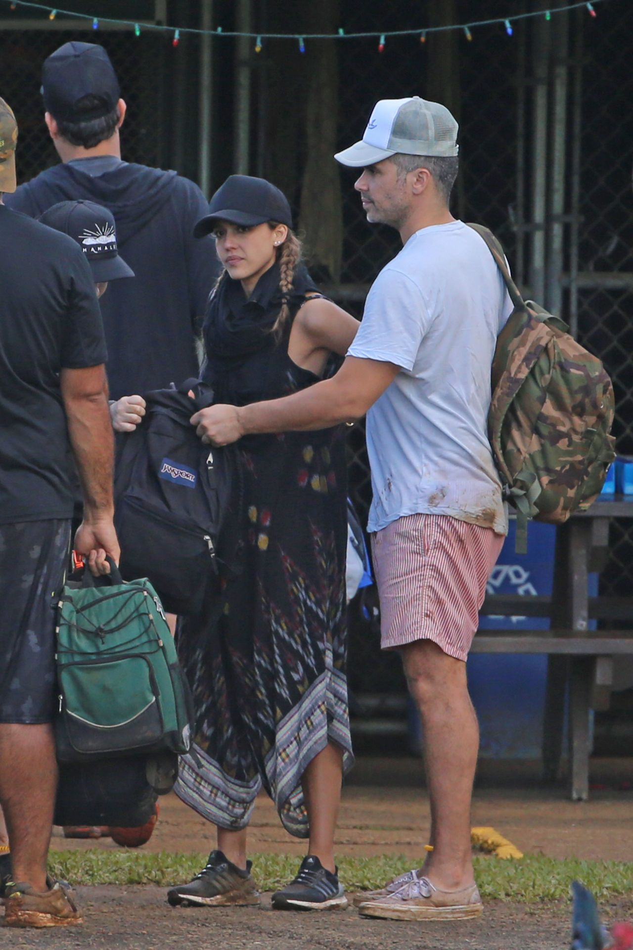 http://celebmafia.com/wp-content/uploads/2017/01/jessica-alba-goes-zip-lining-with-her-family-hawaii-12-31-2016-2.jpg