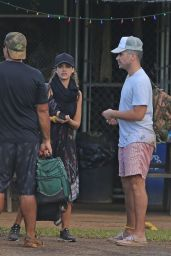 Jessica Alba Goes Zip Lining With Her Family - Hawaii 12/31/ 2016