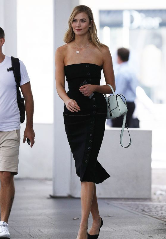 Karlie Kloss - Out in Sydney 1/31/ 2017