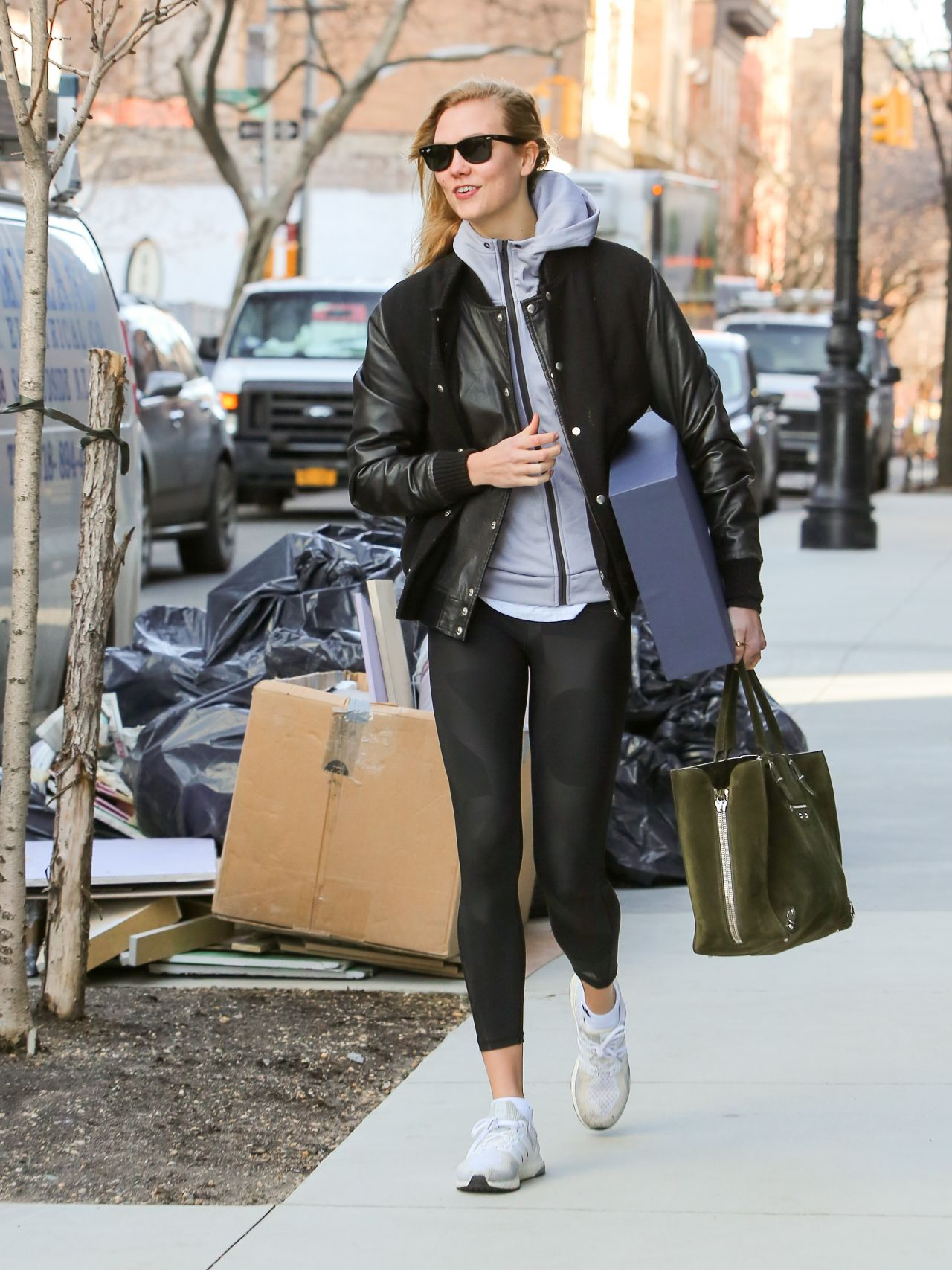 Karlie Kloss Street Style Leaves Her Apartment In The West Village