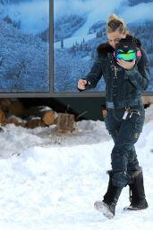 Kate Hudson Winter Style - Aspen 12/30/ 2016