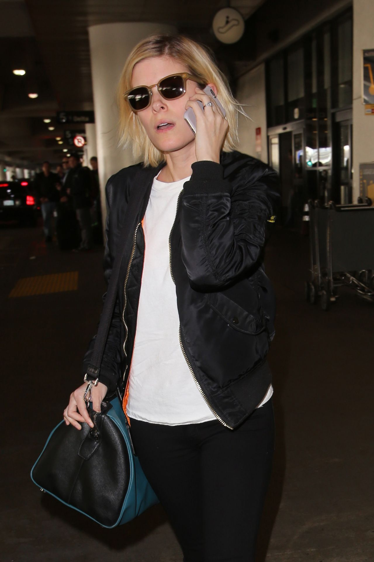 Kate Mara Travel Outfit Arriving At Los Angeles