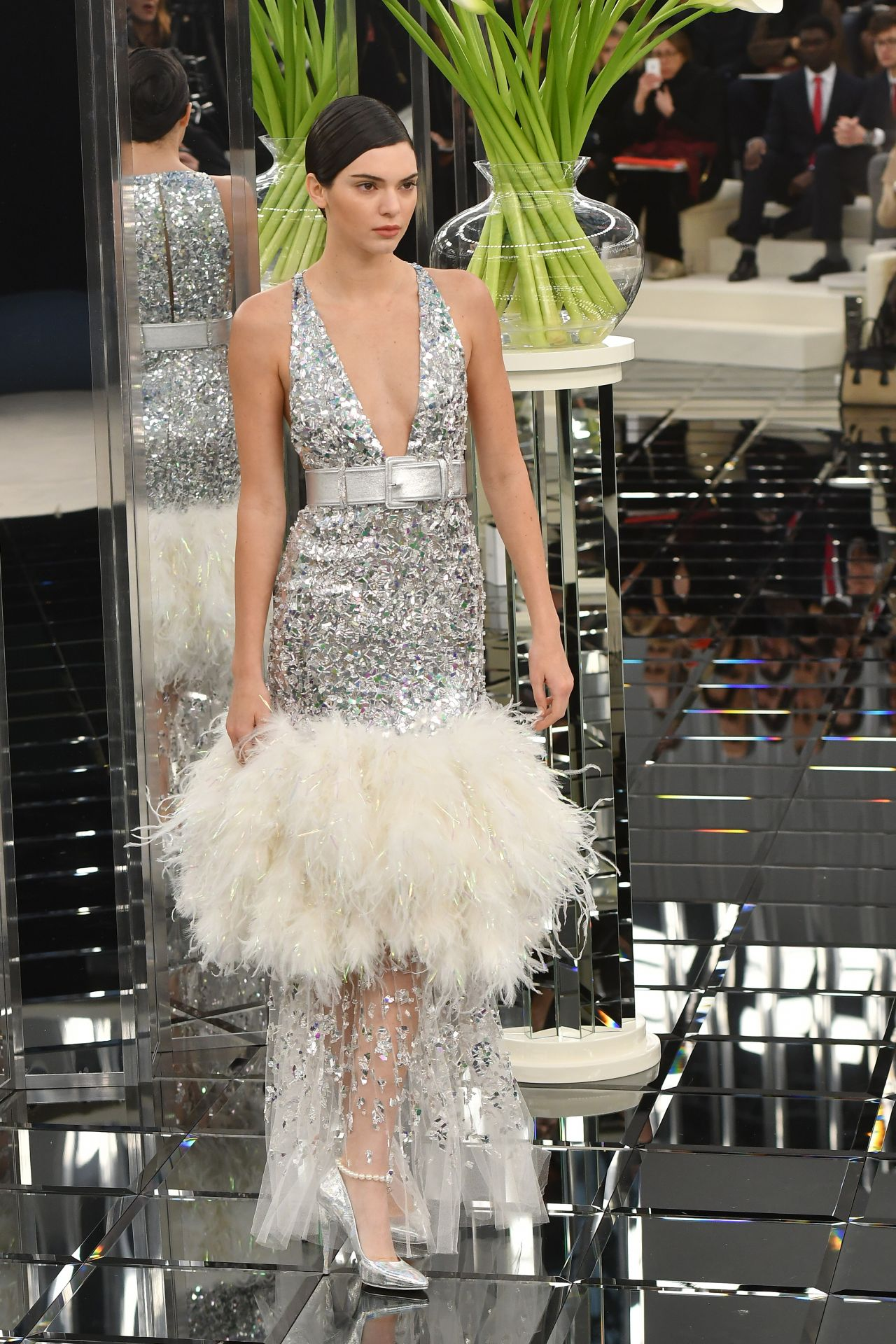 2f7e89615f Kendall Jenner - Chanel Show
