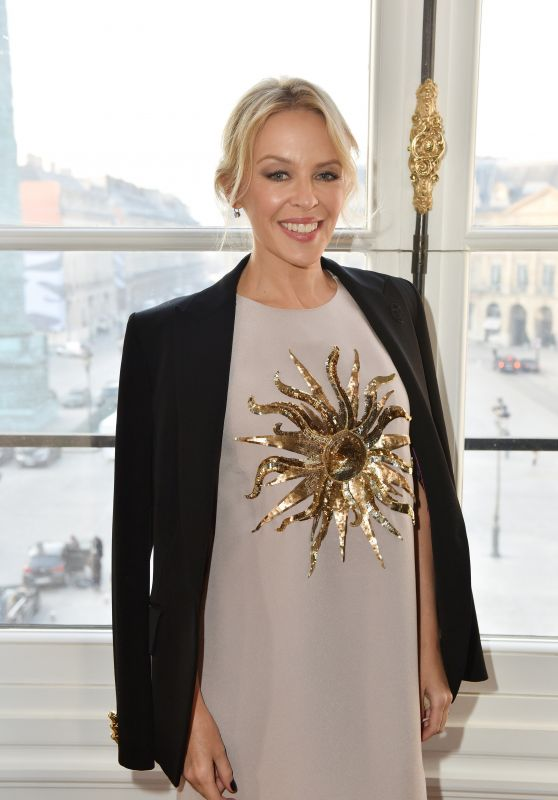Kylie Minogue - Schiaparelli Haute Couture Spring/Summer 2017 Show - Paris Fashion Week 1/23/ 2017